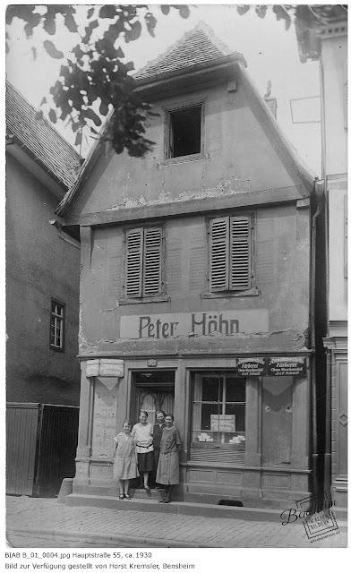 BIAB B_01_0001.jpg Bensheim, Hauptstraße 55 in den 20er/30er Jahren, Das Bild wurde von Herrn Horst Kremsler eingereicht.