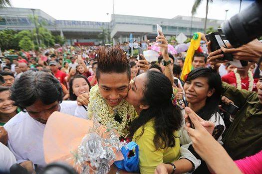 Myanmar U23 Back To Yangon - Myanmar Celebrities Welcome Myanmar Football Heroes