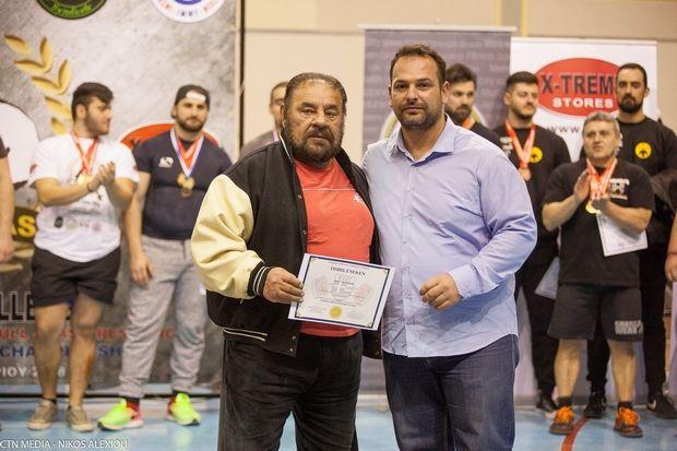 Αθλητές και από το Ναύπλιο τίμησαν τον θρύλο Γιώργο Τρομάρα στο Tromaras Strength Challenge