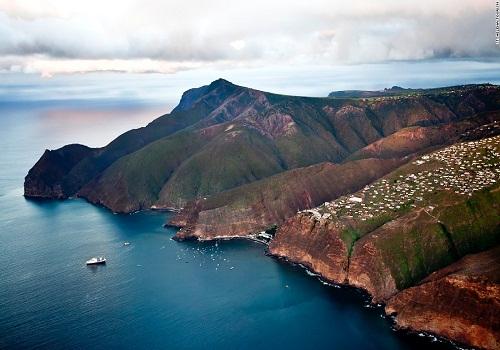 Đảo St. Helena nằm ở đâu?