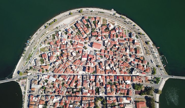 greece-town-taken-over-by-spider