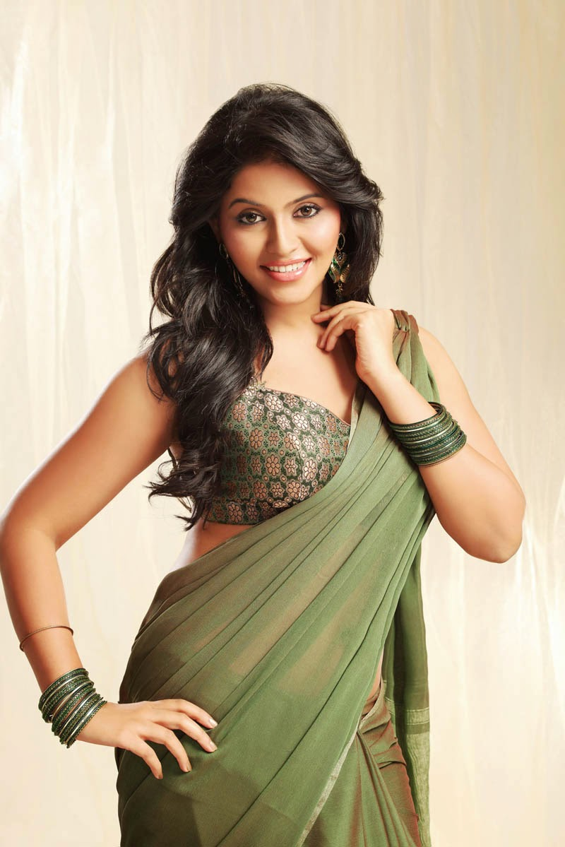 Anjali Spicy Hip Navel Photos In Traditional Green Saree