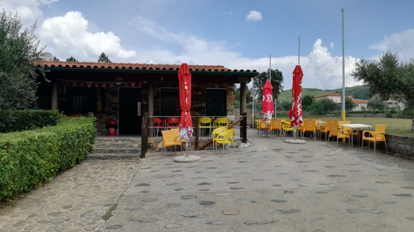 Bar da Praia Fluvial de Janeiro de Cima
