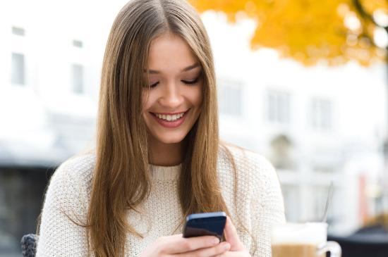 الرسائل القصيرة المكالمات الصوتية مجانا الجديد اخفاء اضافة تغيير مدى الحياة الرقم في نفس الهاتف برمجة التطبيقات دروس فيديو تطبيق مثل بديل للواتس اب واتس اب بلس تطبيق تراسل فوري مجانا مجانية WhatsApp Messenger برنامج تطبيق واتساب الكمبيوتر حيل خدعة بديل شبيه منافس اندرويد ايفون ةيندوز فون بلاكبيري قراءة الرسائل التجسس على الحاداثات جروب جروبات كيفية طريقة