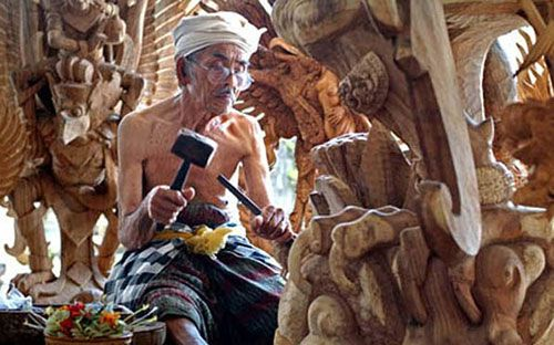 Mas Wood Carving - Besakih Mother Temple Bali Tour
