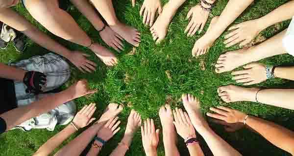 Menerapkan Prinsip Kerja Sama dalam Berteater