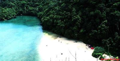 keindahan pulau yang mengagumkan