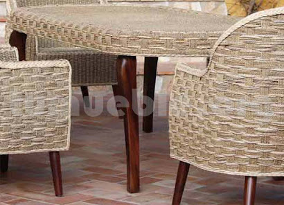 mesa comedor hecho en teca y rattan natural j743