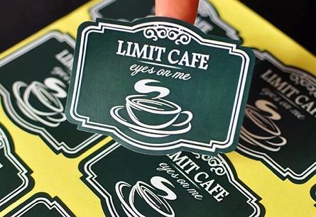 Mẫu in decal logo dán giá rẻ cho quán cafe