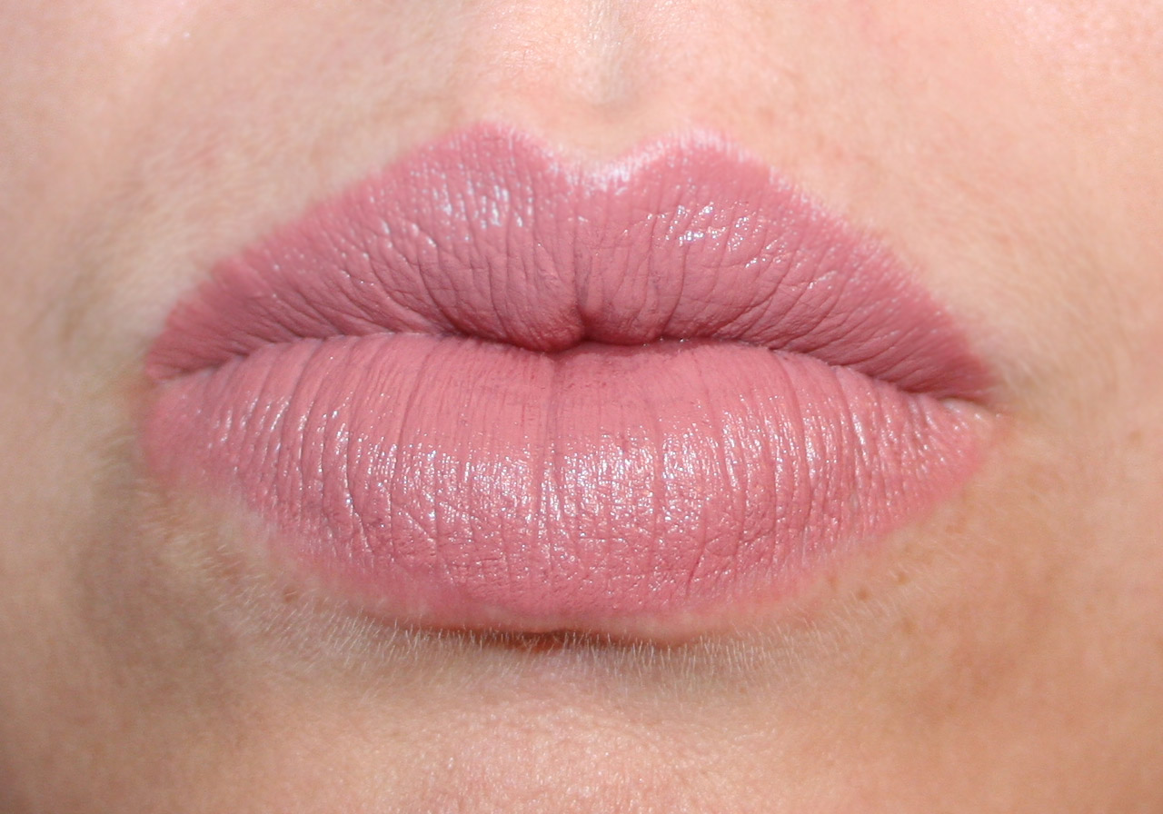 Famoso No Bowl of Cherries: MAC Lipstick  A Review RK65