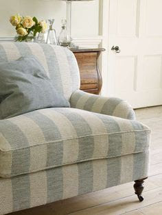 Cottage Was Delighted When I Told Him That As Far As The Sofa Was  Concerned, For Once, I Knew What I Wanted.