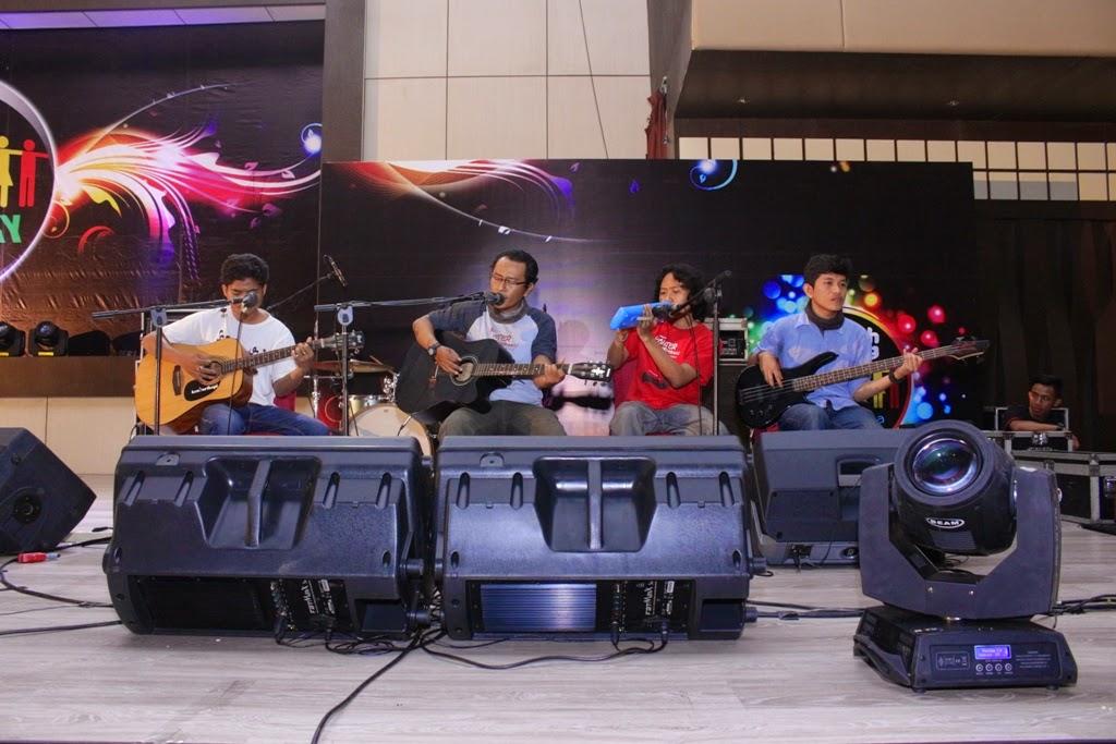 Guitar Performance 2nd Anniversary Sedekah Bareng