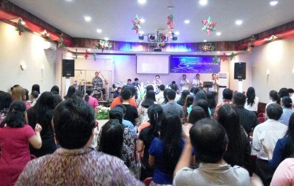 Pelaksanaan Natal ,Di ,Gereja Siloam Ministry, Selayar, Berlangsung Khidmat