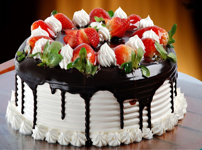 chocolate-strawberry-birth-day-cake