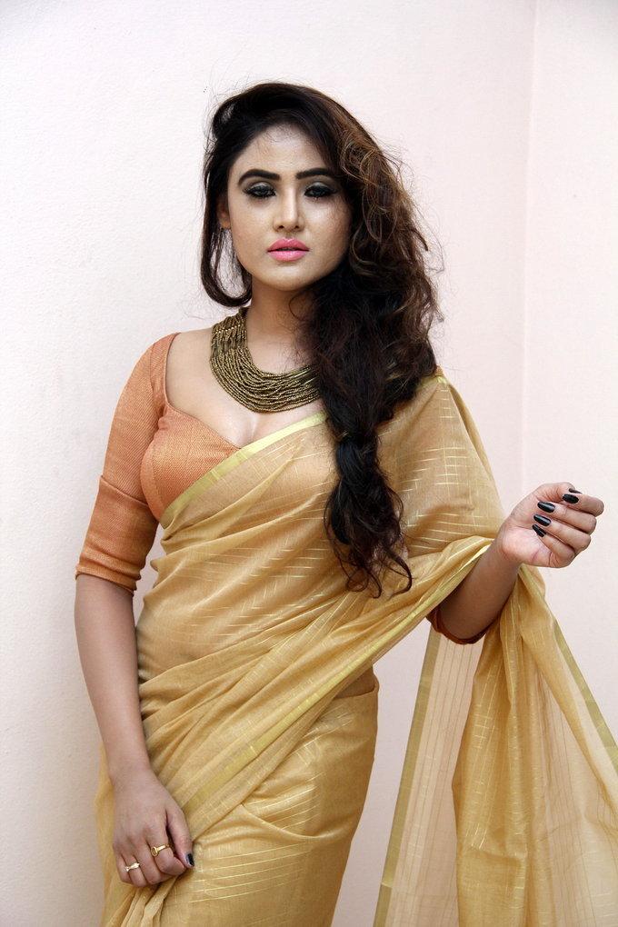 Telugu Hot Girl Sony Charishta latest Photos  In Yellow Saree