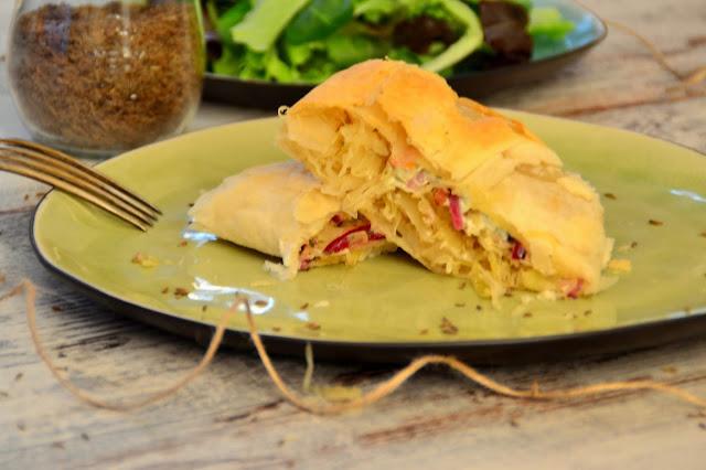Blätterteigstrudel mit Sauerkraut