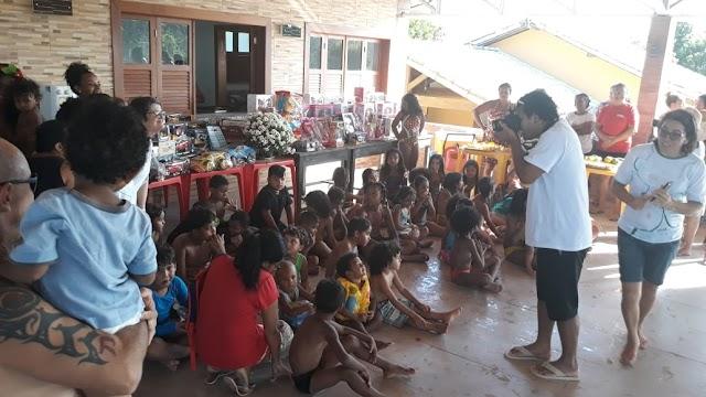 Clube dos 40 entrega brinquedos para crianças de Porto Seguro