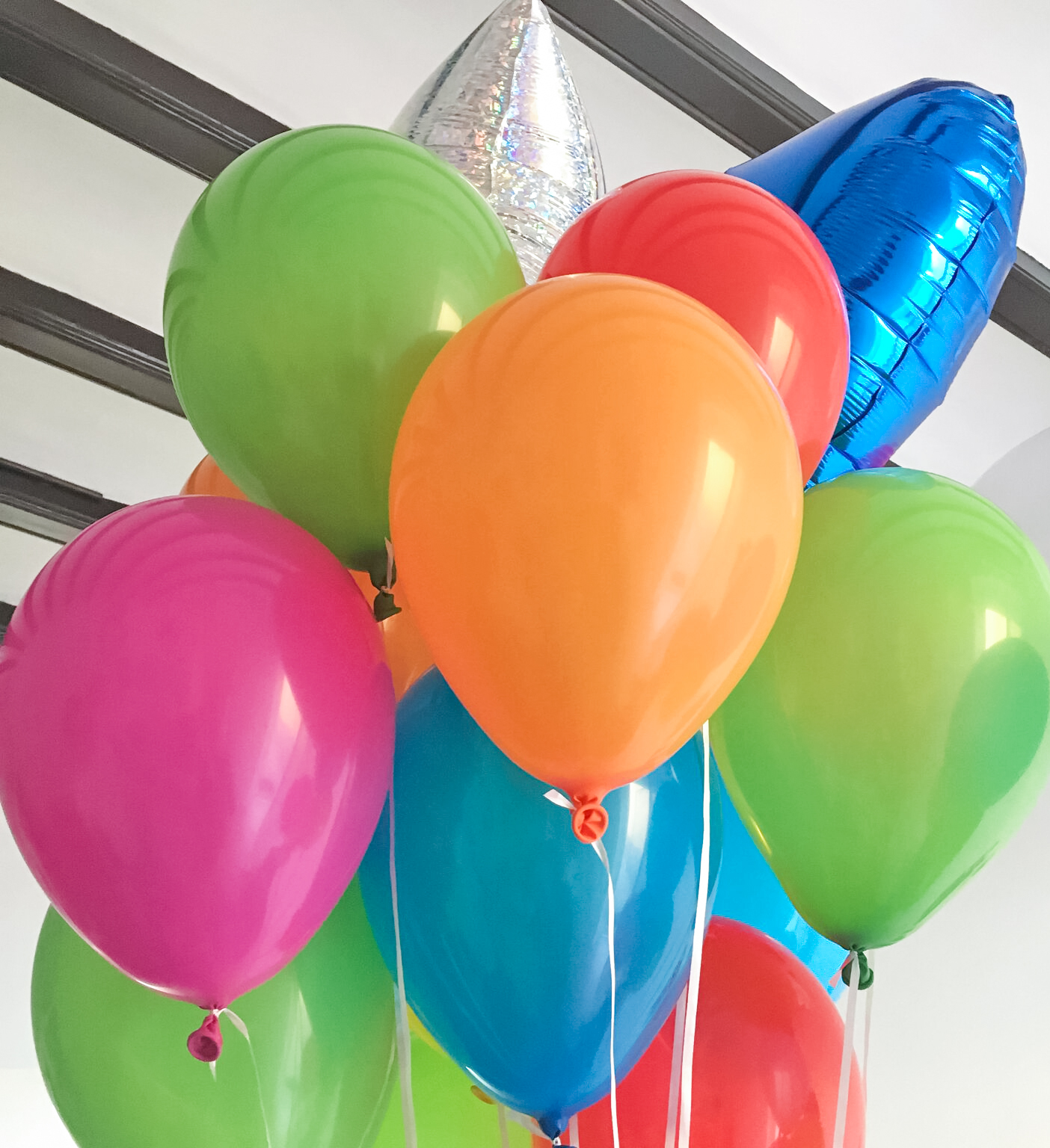 Helium balloons from Globo Image