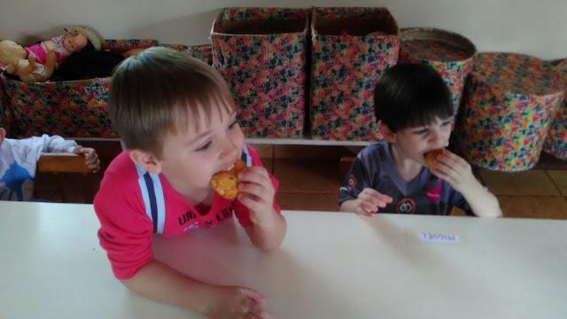 Guilherme e Miguel no níver de 3 do Miguel