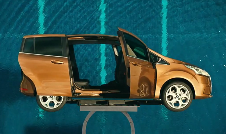 Ford B-MAX Life Is An Open Door