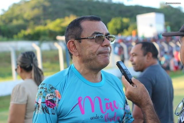 Prefeito Ronaldo Barbosa elenca série de obras executadas pela PMEV e agradece vereadores por aprovarem projetos de interesse da população.