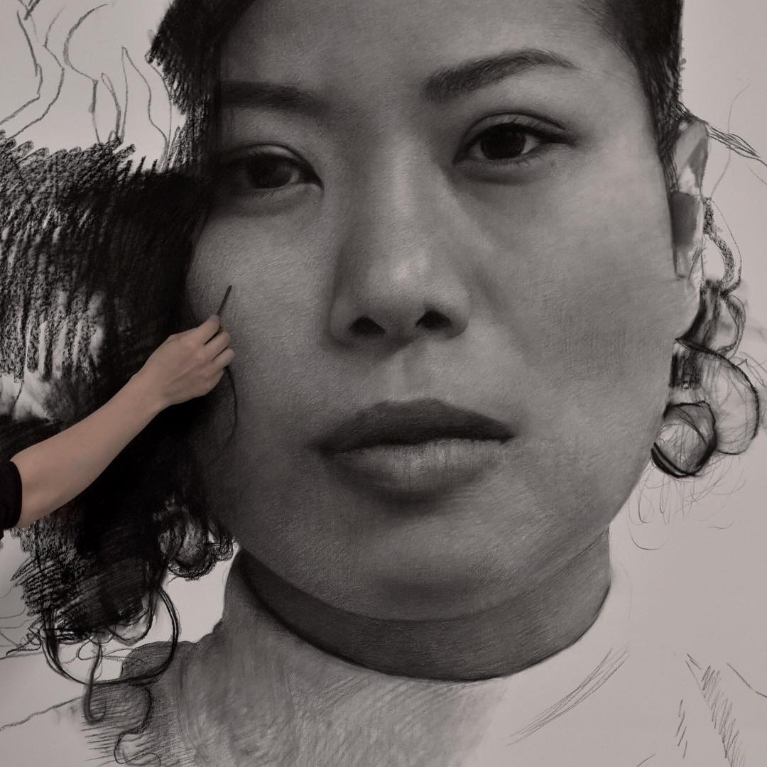 11-Clio-Newton-Enormous-Gigantic-Realistic-Charcoal-Portraits-www-designstack-co