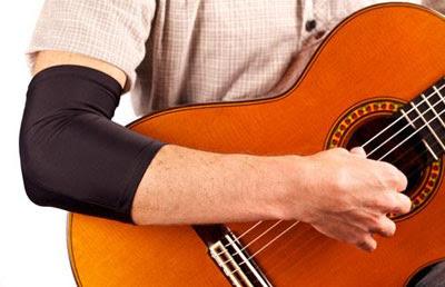 cham soc dan guitar dung cach