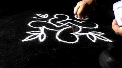 Diwali-birds-poo-kolam-1210ac.jpg