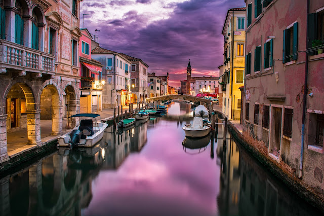 Photo by Federico Beccari on Unsplash - Venice