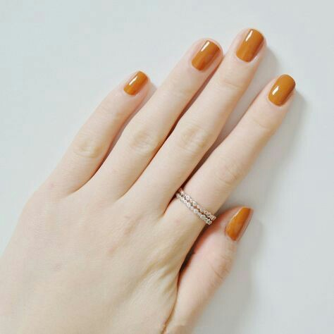 Orange color nail arts