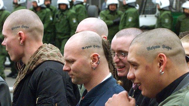 Resultado de imagem para imagens de neonazistas