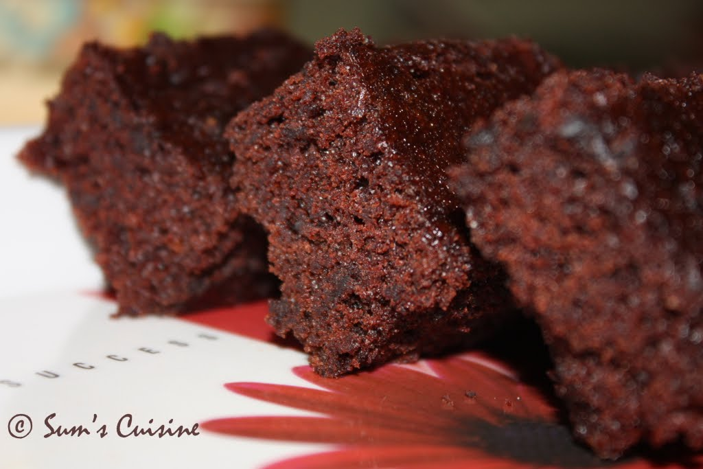 5 Minute Eggless Microwave Chocolate Cake