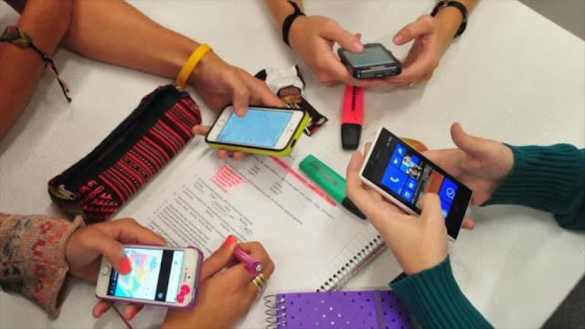 Adicción a móvil y red provoca trastornos en el cerebro