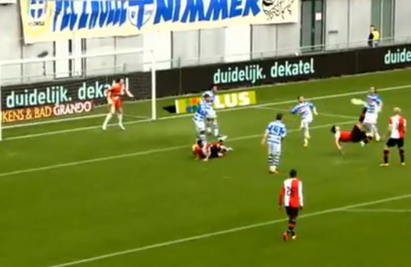 Feyenoord striker Graziano Pellè kicks an overhead kick to score against Zwolle