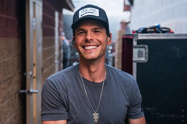 Arti Lirik Lagu Happens Like That - Granger Smith