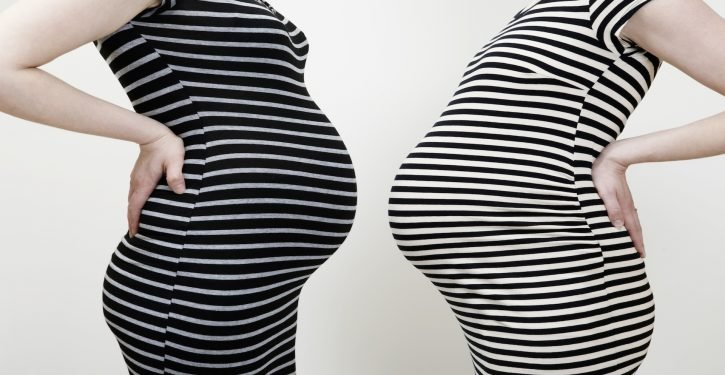 Best Friends Often Get Pregnant At The Same Time According To A Study