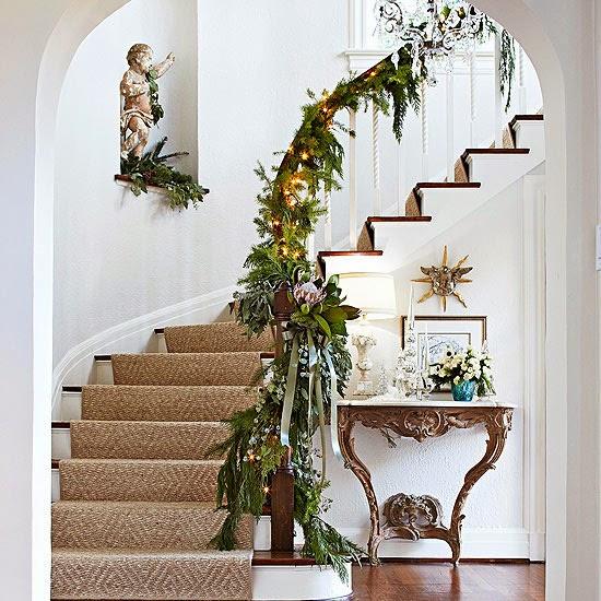 Escaleras de navidad colores en casa - Decoracion navidena escaleras ...