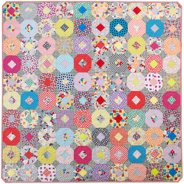 Gardenvale Kansas Dugout Quilt - A Finished Quilt | Red Pepper Quilts 2015