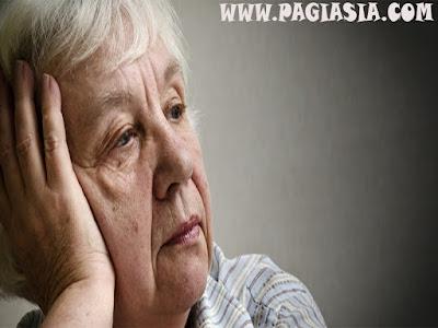 Perubahan Kepribadian Bisa Jadi Gejala Awal Demensia dan Alzheimer