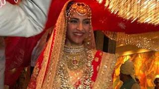 sonam-enjoying-her-marriage