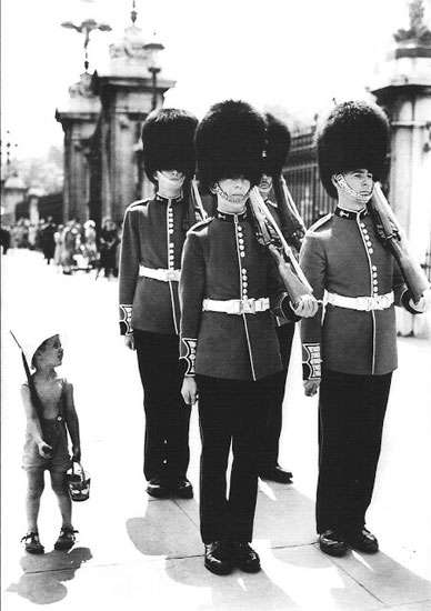 young-boy-imitates-guards