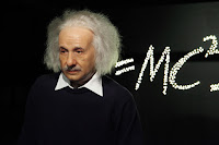 Albert Einstein Important Information (Facts) in Hindi
