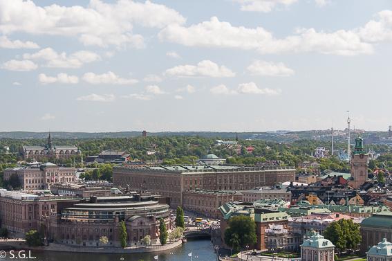 Palacio real de Estocolmo desde la torre del ayuntamiento