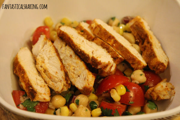 Blackened Chicken Fiesta Salad #recipe #chicken #salad #chickpea #corn #tomato #maindish