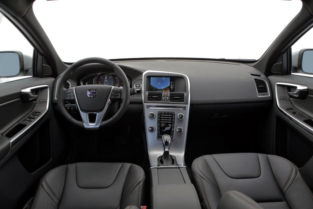 Volvo xc60 d5 diesel pre os consumo e especifica es for Xc60 2017 interior