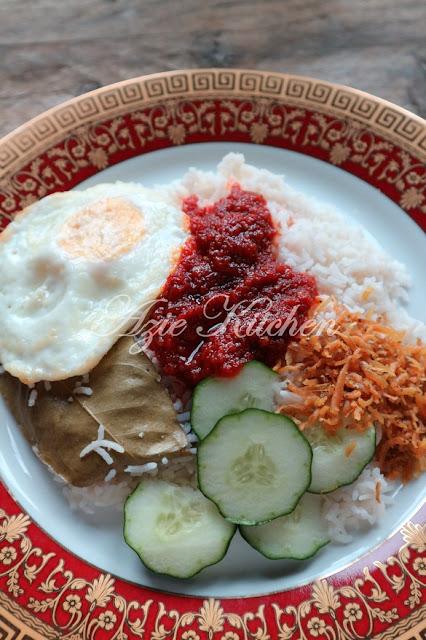 Nasi Lemak Kukus Azie Kitchen Yang Sedap