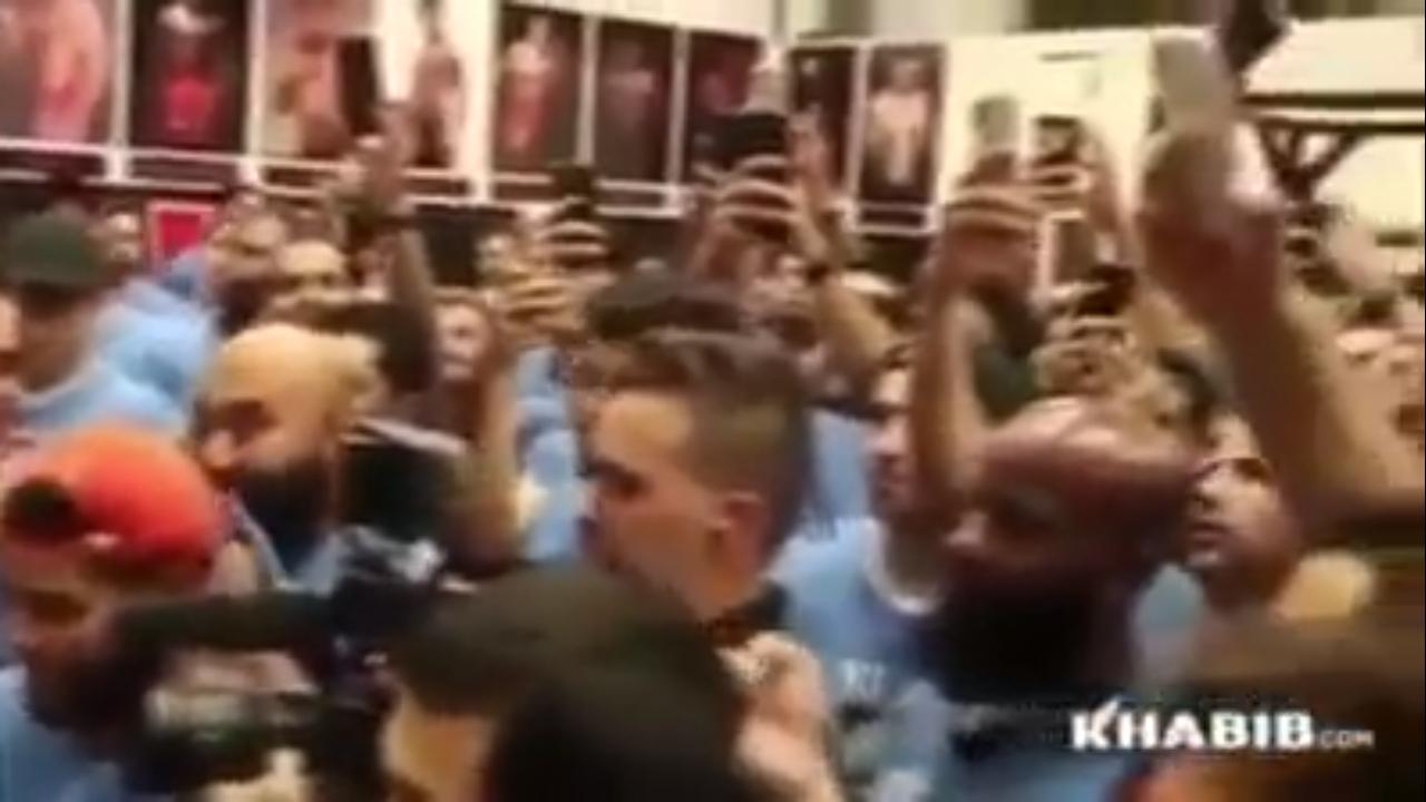 Terjadi Di Ruang Ganti, Sambutan Khabib Soal Kemenangan UCF Getarkan Jiwa