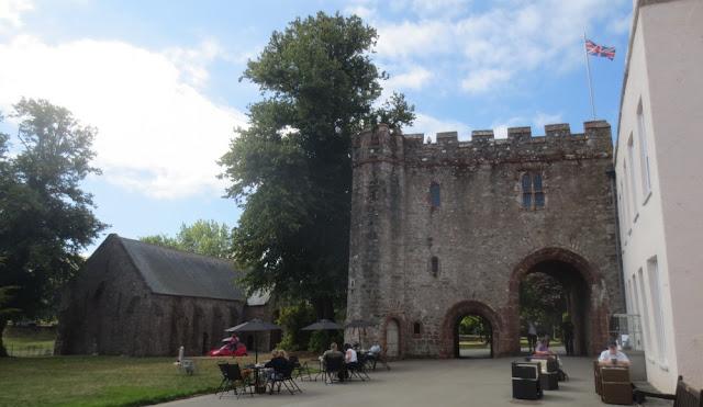Torquay - Torre Abbey mit Café