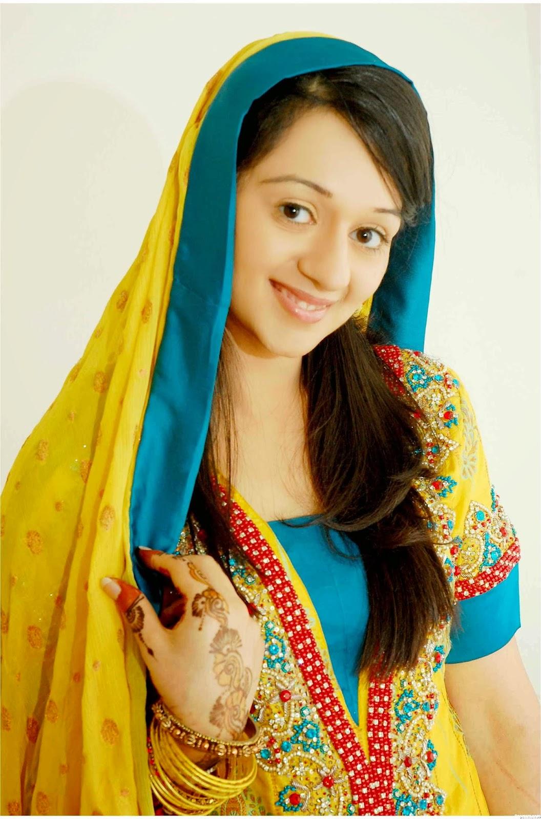 c260c360eb Pakistani Bridal Mehndi Dresses Pictures | Huston Fislar Photography