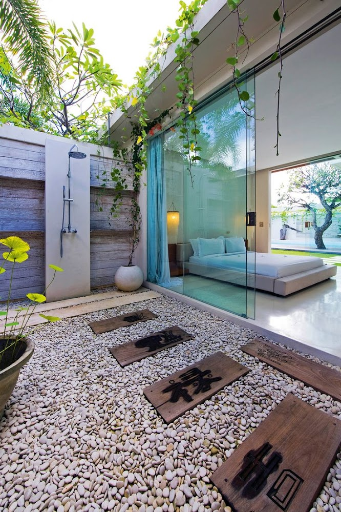 wooden-block-foreign-language-outdoor-shower-enclosure-ideas